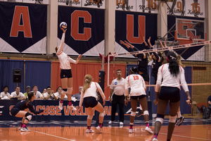Syracuse volleyball is using a hit that knuckle balls and has confused its opponents.