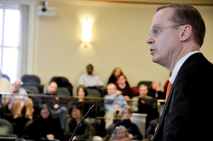 During University Senate meeting on Wednesday, SU Chancellor Kent Syverud acknowledged the world has gotten more complicated with the election of Donald Trump to the United States presidency.