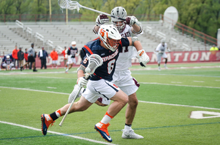 Syracuse jetted out to an early 3-0 lead and held on late to preserve the win in Hamilton, New York.