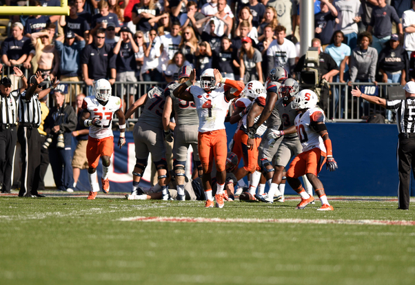 Syracuse football snaps 2-game losing streak with 31-24 win over Connecticut